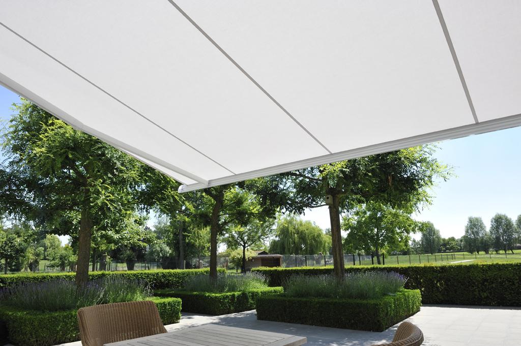 stores protections solaires stores volets et fen tres. Black Bedroom Furniture Sets. Home Design Ideas